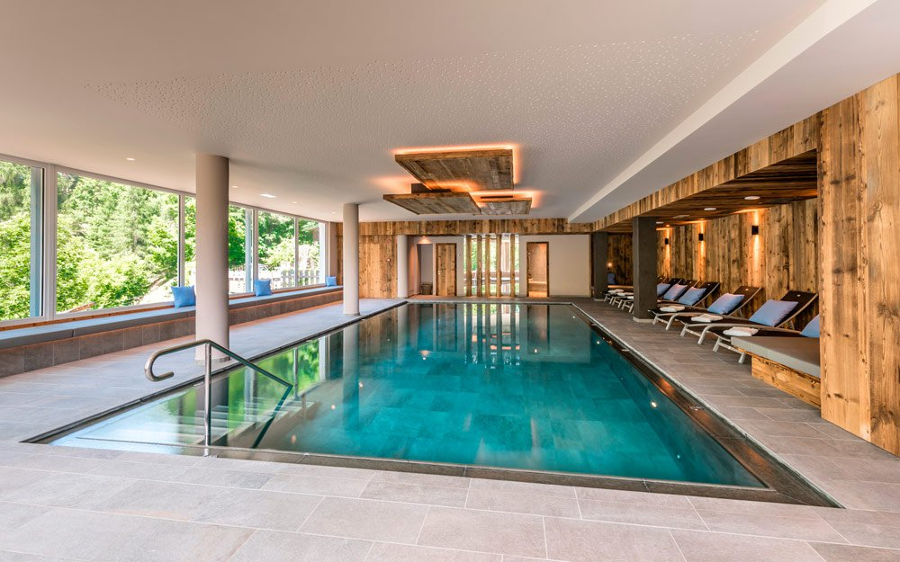 Spa vacation in the Dolomites - Indoor pool: comfort deluxe